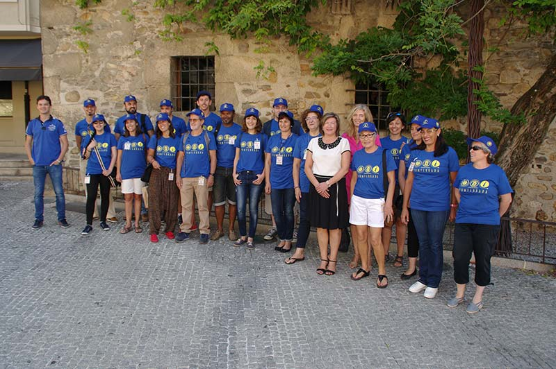 Voluntarios Escuela Oficial de Idiomas en el Museo de la Radio. Foto: Raúl C.