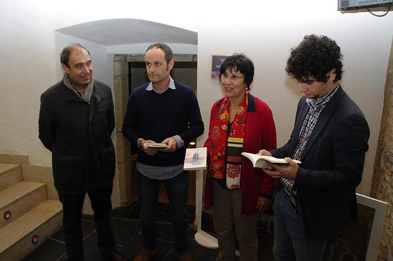 """Presentación de """"Encantamiento y desencantamiento"""" de Amable Arias. Foto: Raúl C."""