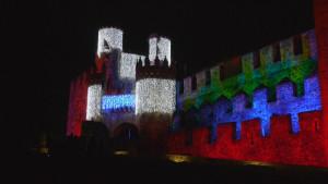 Iluminación navideña del Castillo de los Templarios. Foto: Raúl C.