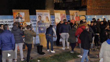 2019041102_pegada-carteles-elecciones-generales_p.jpg