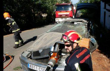 accidente-valtuille-bomberos.jpg
