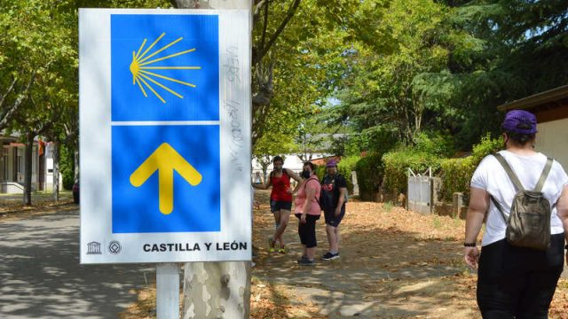 asprona-bierzo-senalizacion-camino-de-santiago.jpg