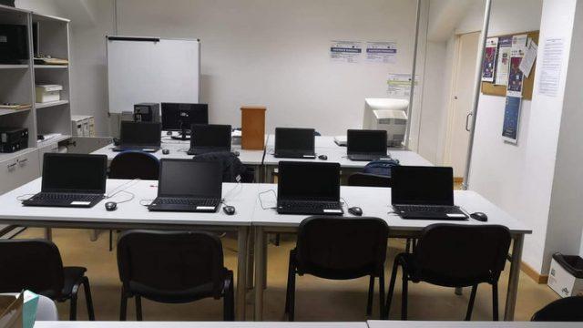 aula-informatica-ambi.jpg