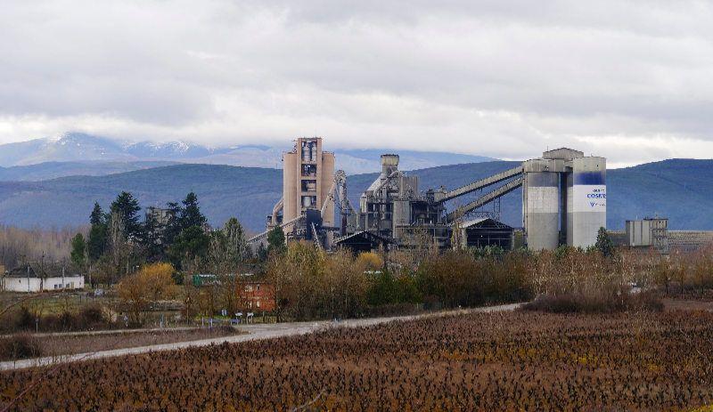 cementos-cosmos-fabrica-toral-vados.jpg