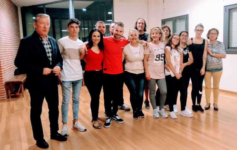 clases-baile-cubillos-del-sil.jpg