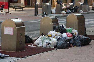 contenedores-basura-calle-ancha.jpg