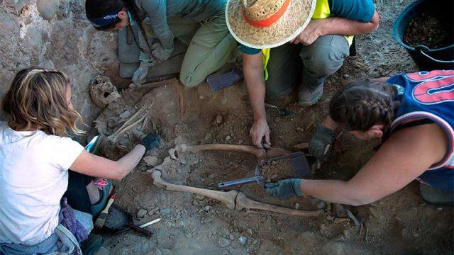 exhumacion-cementerio-el-carmen-ponferrada.jpg