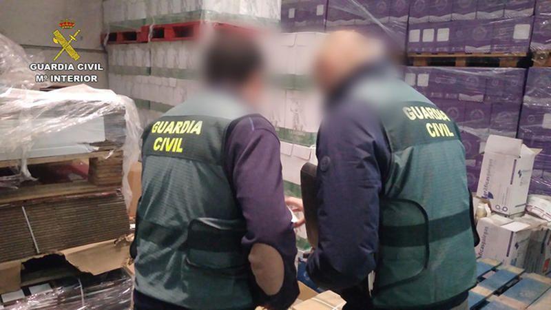 guardia-civil-botellas-do-bierzo.jpg