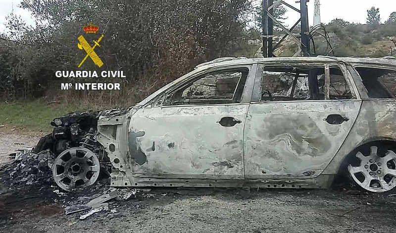 guardia-civil-coche-quemado.jpg