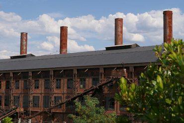 museo-de-la-energia-chimeneas2.jpg