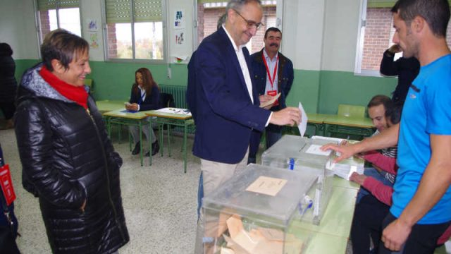 olegario-ramon-votacion-cogolla.jpg