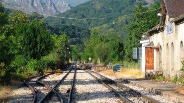 palacios-del-sil-estacion-de-tren.jpg