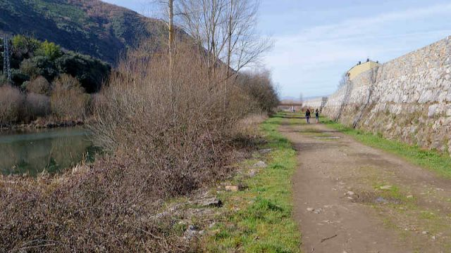 paseo-fluvialo-rio-sil.jpg