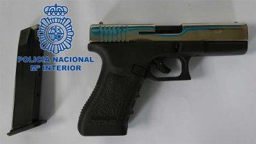 pistola-intervenida-policia.jpg