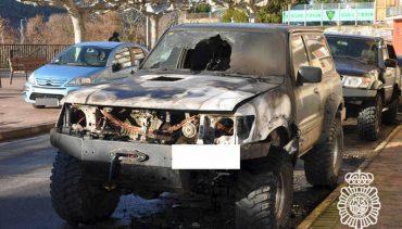 policia-nacional-vehiculos-quemados-en-ponferrada.jpg