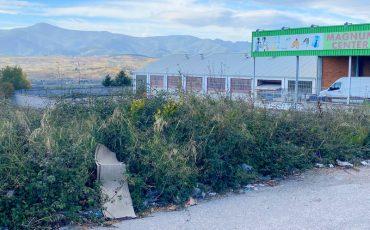 poligono-industrial-montearenas-basura.jpg