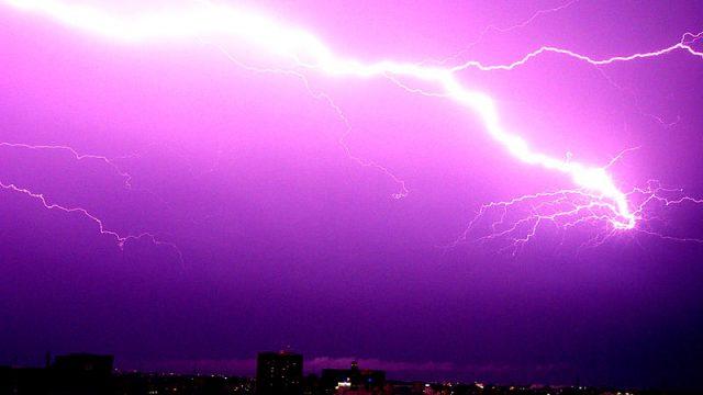 rayos-tormenta-en-japon.jpg