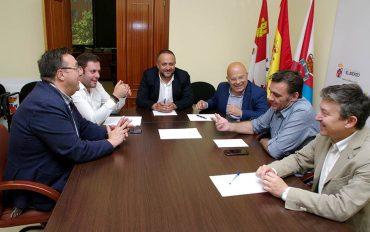 subdelegado-gobierno-visita-consejo-comarcal.jpg