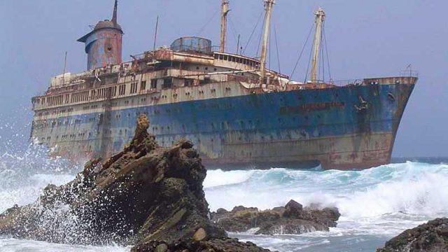 tierra-adentro-y-otros-cuentos-de-naufragios-carlos-fidalgo_800.jpg