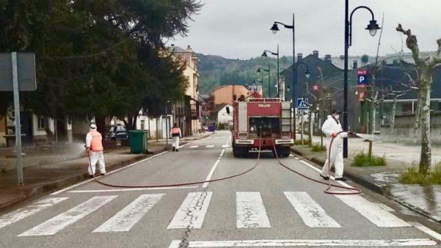 toreno-voluntarios-desinfectado-calles.jpg