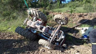 tractor-acidentado-en-cabanas-raras.jpg