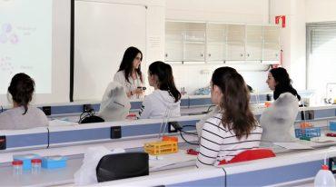 ule-alumnas-en-clase.jpg