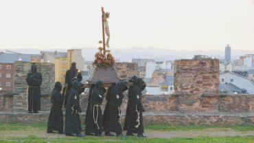 viacrucis-penitencial-castillo-de-los-templarios5.jpg